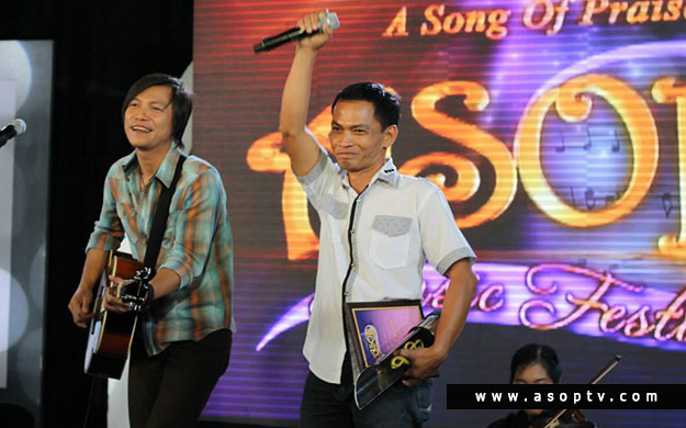 "Song: ""IKAW NA LANG MAG DRIVE NG BUHAY KO"" Composer: ROLAN DELFIN Interpreter: MELVIN SUMALINOG – Photoville International"